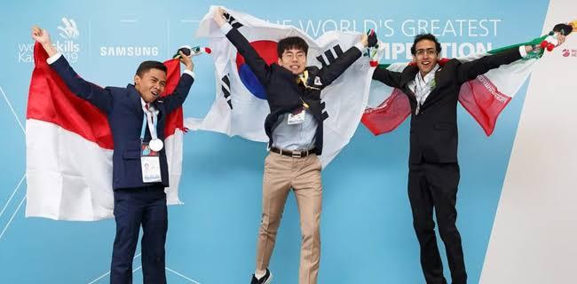 Alumni SMK Negeri 4 Bandung Sabet Medali Perak di WorldSkills Competition 2019